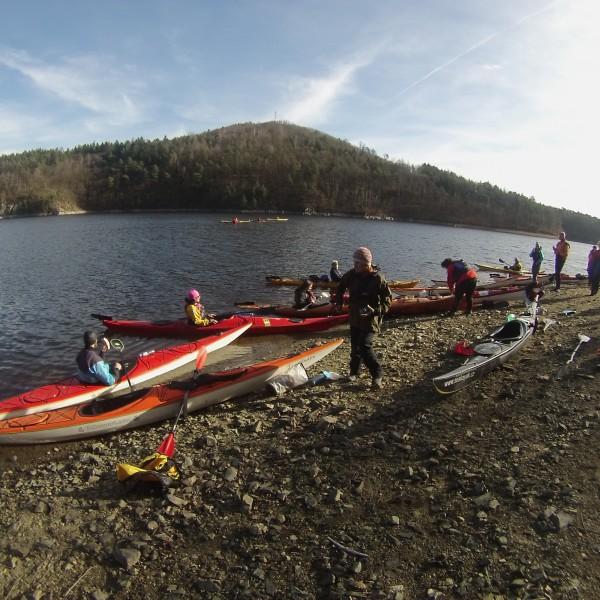 Foukal jižní studený vítr a tak někteří nechtěli vylézt z lodí